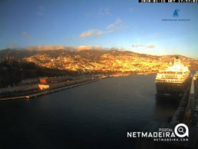 Preview webcam image Funchal - Pontinha