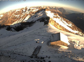 Preview webcam image Adelboden - Weisse Frau and Blüemlisalphorn