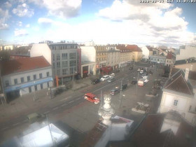 Preview webcam image Schwechat - Hauptplatz