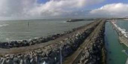 Preview webcam image Bourgenay - harbour